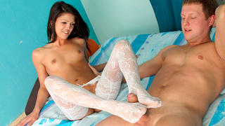 Teen seduces her lover with her foot job